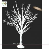 China UVG DTR21 Wedding decoration table centerpiece artificial plastic tree with dry branches without leaves wholesale