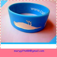 Quality fat design segmented color rubber silicone wrist band wholesale