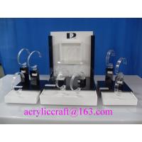 China Practical and simple plexiglass watch display rack, acrylic watch display stand wholesale