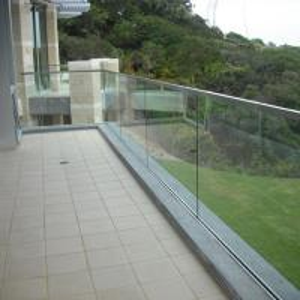 China Aluminium Glass Channel Aluminum Profile Aluminum Extrusion Profile for Glass Railing wholesale