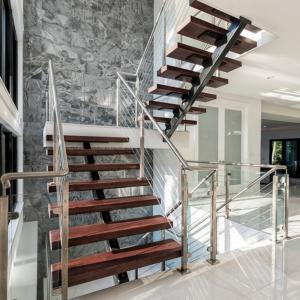 China Prafabricated Homes Mono Stringer Timber Wood Straight Staircase wholesale