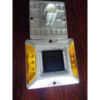 China Solar Road Stud +100% powered by sunlight + solar aluminum casting spike LED traffic light wholesale