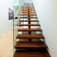 China Mono Stringer Safety Indoor Tempered Glass Straight Staircase Design wholesale