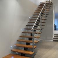 China Open Riser Wood Staircase Fashionable Design Straight Staircase wholesale