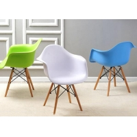 China Carefully Crafted Wooden Leg Dining Chair , Plastic And Wood Dining Chairs wholesale