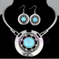 China Womentibet Silver Flower Howlite Turquoise Round Dangle Necklace Set on sale